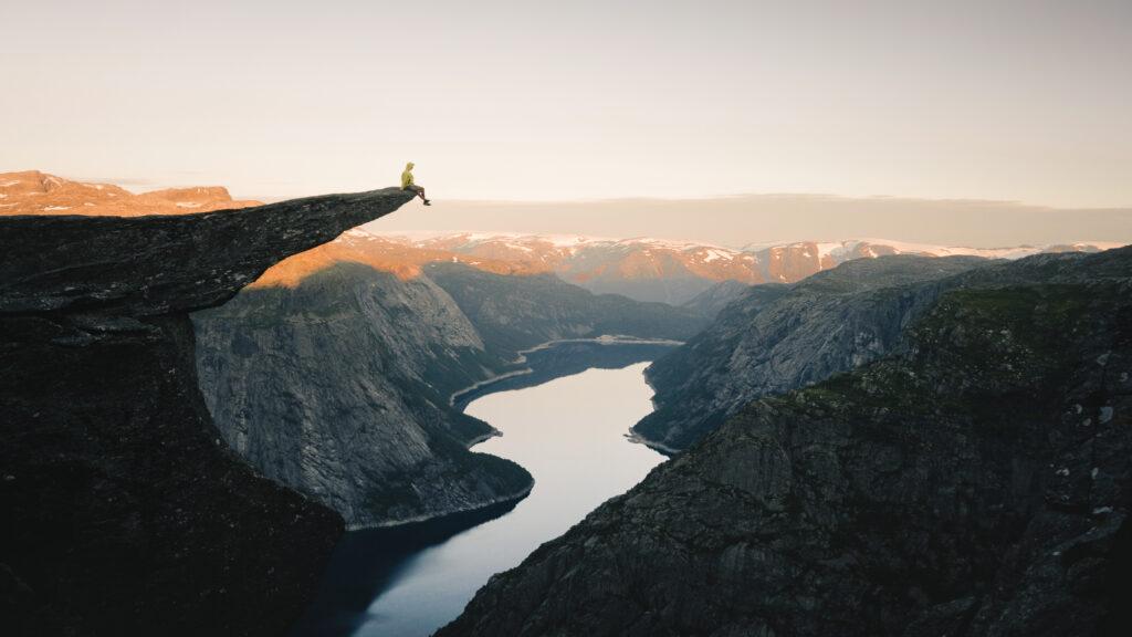 De trolltunga aan het hardangerfjord